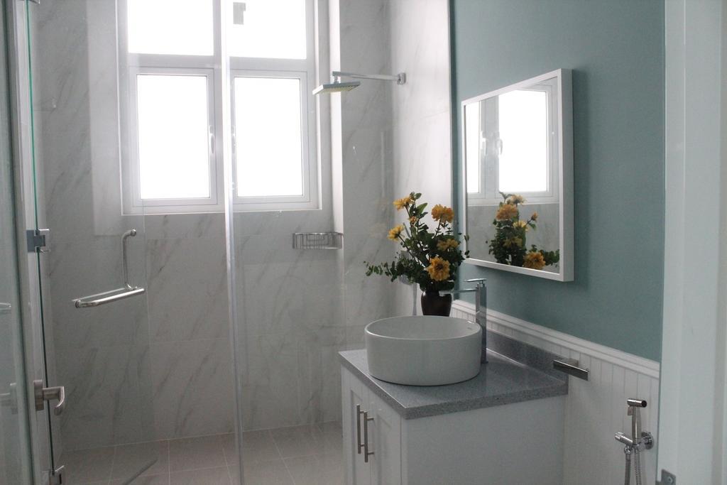 Vintage, Landed, Bathroom, Saujana Impian Kajang, Interior Designer, Klaasmen Sdn. Bhd., Flora, Jar, Plant, Potted Plant, Pottery, Vase, Indoors, Interior Design, Room, Mirror