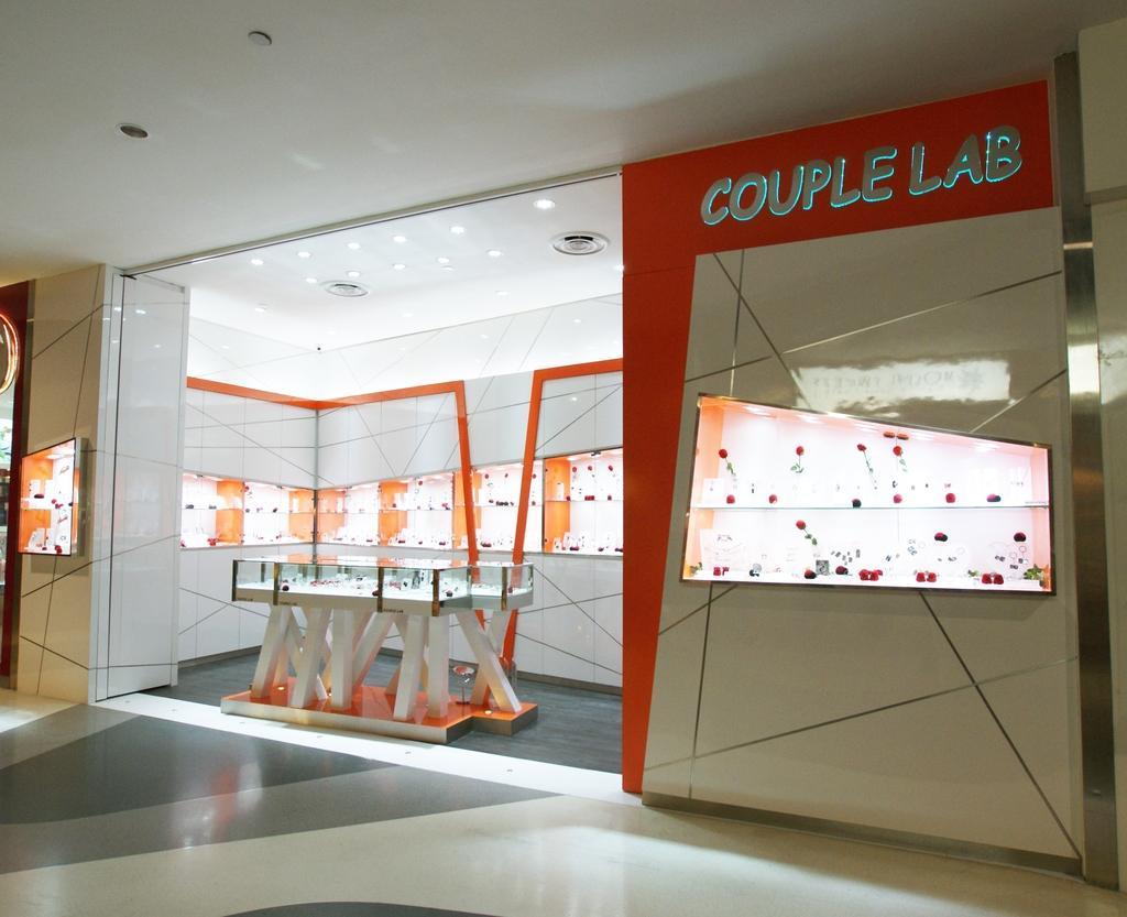 Couple Lab (Iluma), Commercial, Interior Designer, Metamorph Design, Contemporary, Door, Sliding Door
