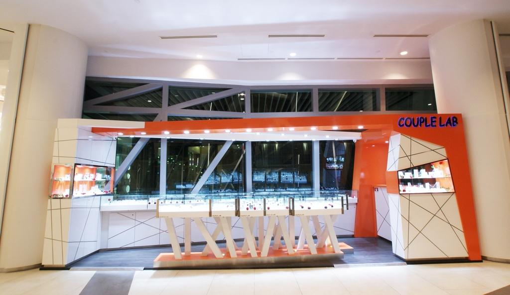 Couple Lab (JCube), Commercial, Interior Designer, Metamorph Design, Contemporary, White Laminate, Exterior, Chairs