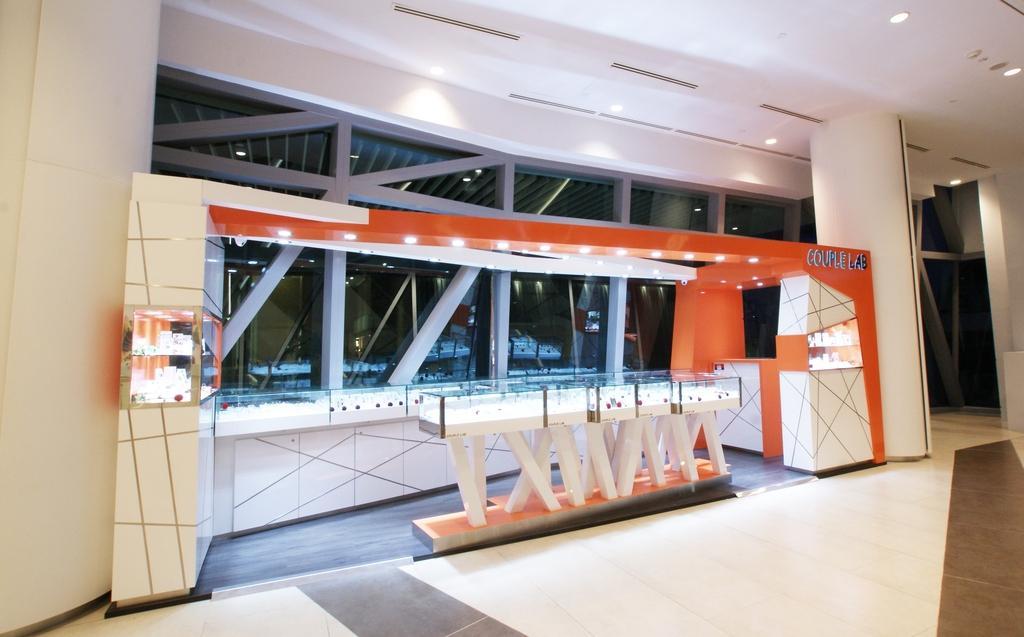 Couple Lab (JCube), Commercial, Interior Designer, Metamorph Design, Contemporary, Door, Sliding Door
