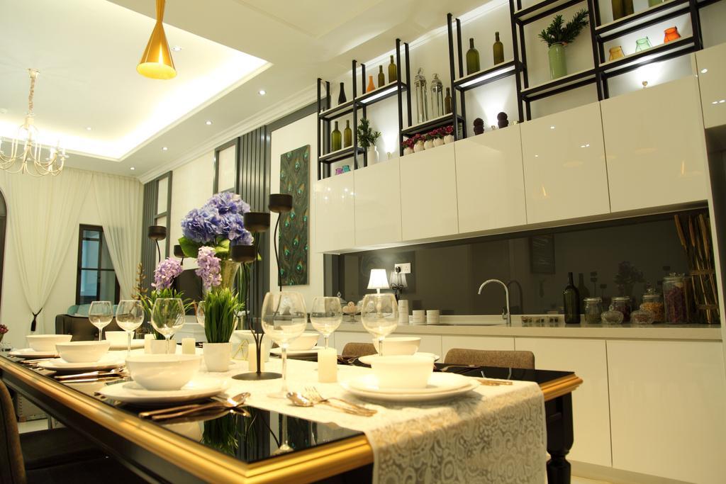 Contemporary, Landed, Dining Room, Isle Of Kamares Setia Eco Glades, Cyberjaya, Interior Designer, Nice Style Refurbishment, Indoors, Interior Design, Room, Restaurant, Dining Table, Furniture, Table