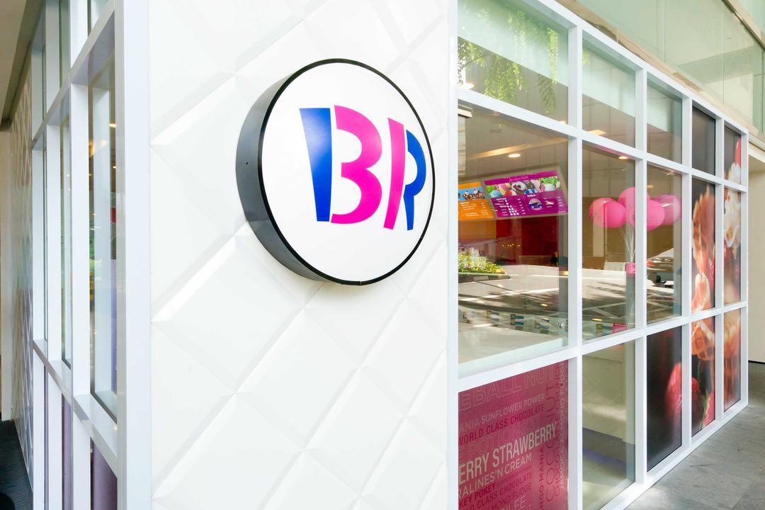 Baskin Robbins (Plaza Singapura), Unity ID, Eclectic, Commercial, Shop Exterior, Shop Front, Shop Entrance, Entrance, Exit, White, Tile, Tiles
