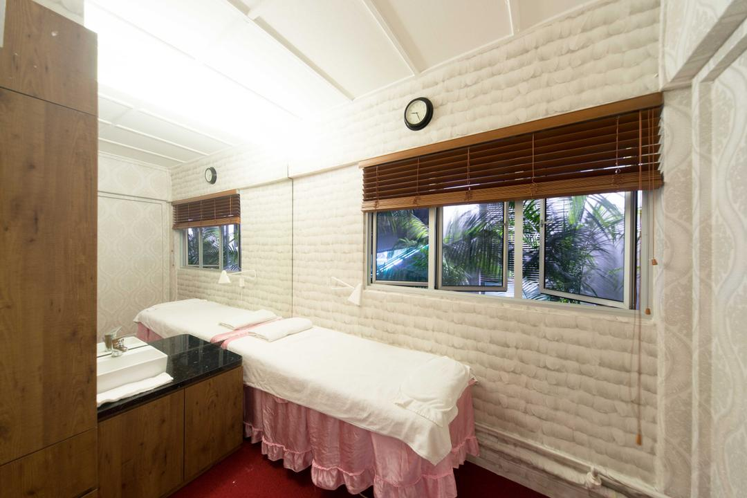 Clementi 2, Unity ID, Contemporary, Commercial, Brick Wall, Blinds, Wooden Blinds, Carpet, White
