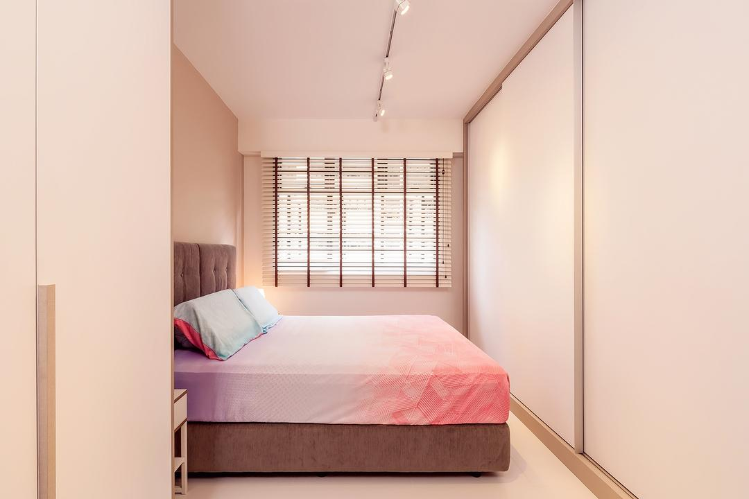 Fernvale Street (Block 473A), Icon Interior Design, Scandinavian, Minimalistic, Bedroom, HDB, Master Size Bed, Colourful Bed, Track Lights, Roll Up Down Curtain, White Wadrobe, Comfortable, Cozy, Bed, Furniture, Indoors, Interior Design, Room