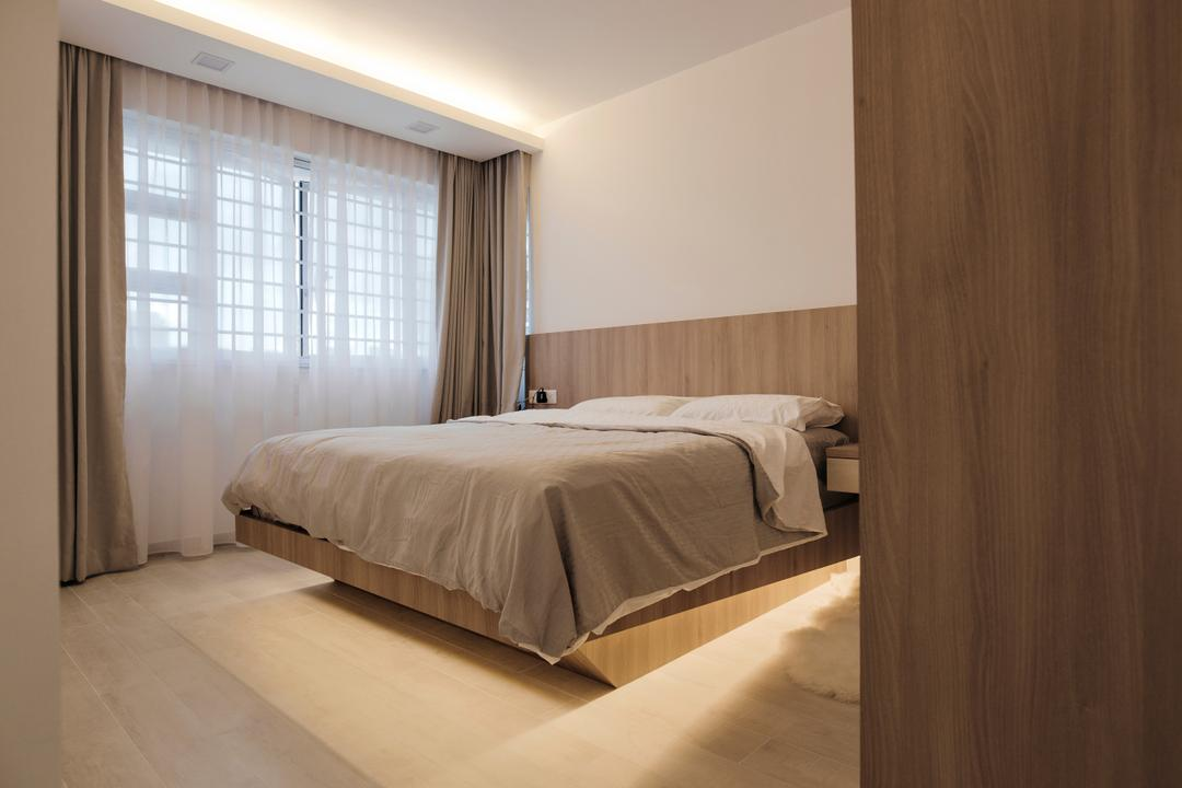 Upper Serangoon Crescent, The Local INN.terior 新家室, Scandinavian, Minimalistic, Bedroom, HDB, Hidden Ceiling Interior Lighting, King Size Bed, Spacious, Cozy, Comfortable, Relax, Chill, Sling Curtains, Window Panels, Wooden Floor, Wooden Bed Panel, Recessed Lights, Bed, Furniture