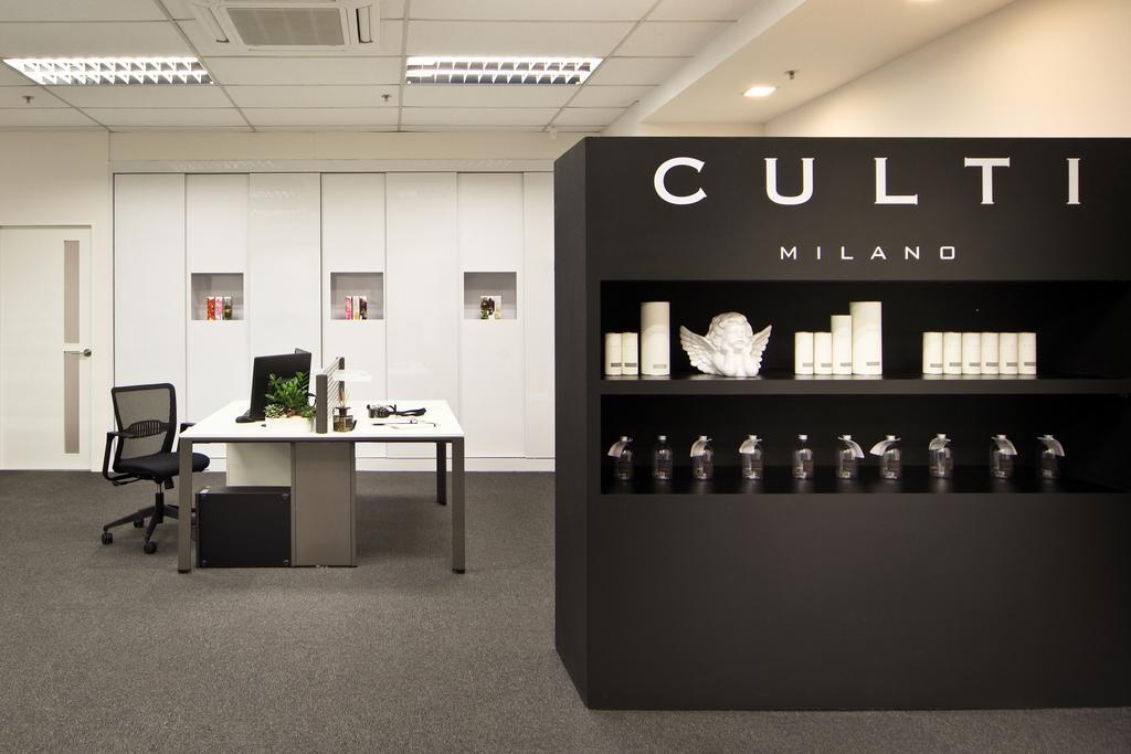 Innova Office (Kallang), Commercial, Interior Designer, Boon Siew D'sign, Modern, Desk, Office, Workspace