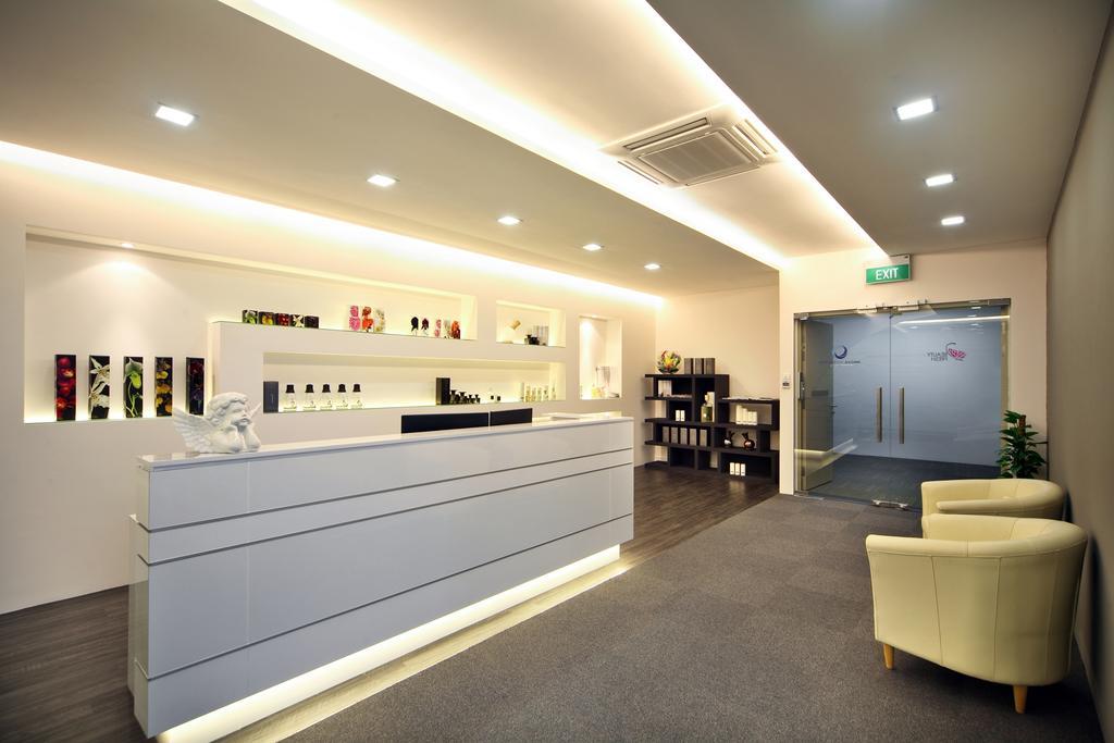 Innova Office (Kallang), Commercial, Interior Designer, Boon Siew D'sign, Modern, Office, Furniture, Ottoman, Lighting