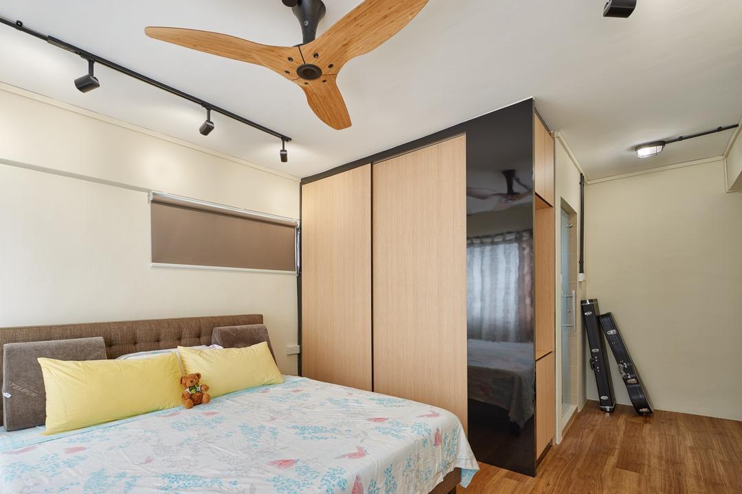 Pasir Ris Street 11 (Block 185), Absolook Interior Design, Industrial, Bedroom, HDB, Haiku Fan, , Track Lights, King Size Bed, Wooden Floor, Wooden Wadrobe, Cushioned Panel