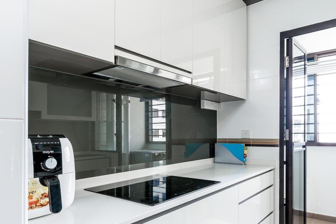 Fernvale Street (Block 471B), Icon Interior Design, Contemporary, Scandinavian, Kitchen, HDB, Kitchen Glass Panel, White Theme Kitchen, Bright, Minimal Kitchen, Building, Housing, Indoors, Loft