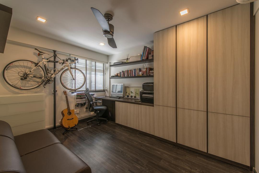 Dover Road (Block 1), Meter Square, Industrial, HDB, Built In Cupboard, Bicycle, Ceiling Fan, Downlights, Wall Shelf, Blinds, Guitar, Wooden Flooring, Bike, Transportation, Vehicle, Mountain Bike, Floor