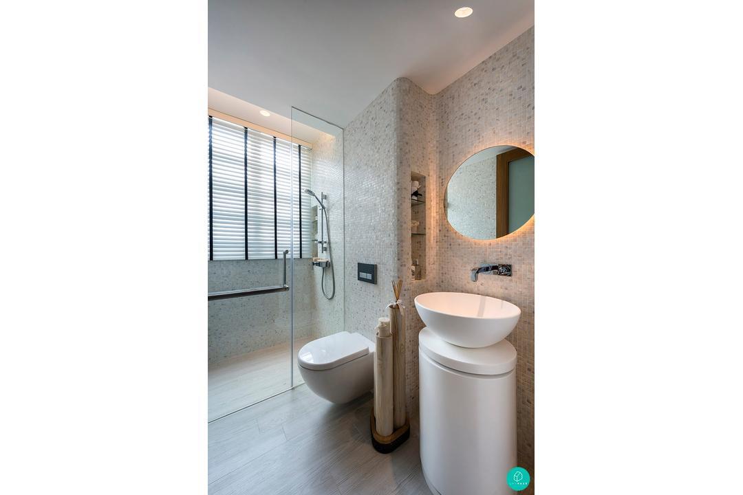 Akihaus-Oceanfront-Bathroom-1