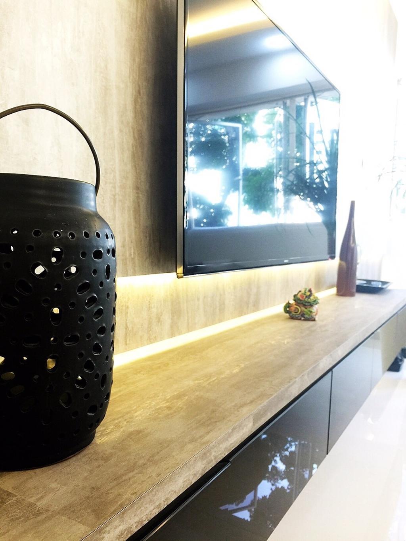 Traditional, HDB, Living Room, Yishun Ring Road (Block 332), Interior Designer, Starry Homestead, Black, Cabinets, Wooden Top, Flatscreen Tv, Tv Console, Concealed Lighting, Bottle, Water Bottle