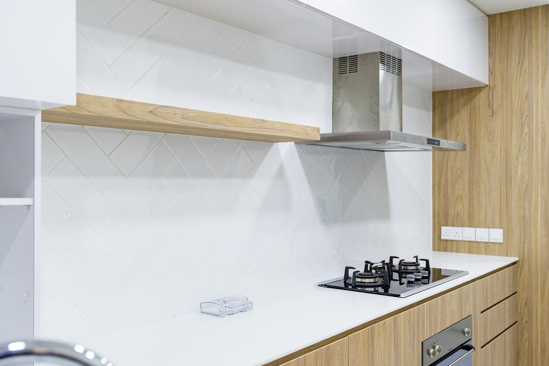 Compassvale, Baum Project Pte Ltd, Minimalistic, Kitchen, HDB, Modern Contemporary Kitchen, Recessed Lights, Wooden Cabinet, Polar White Cabinet, Polar White Laminated Top