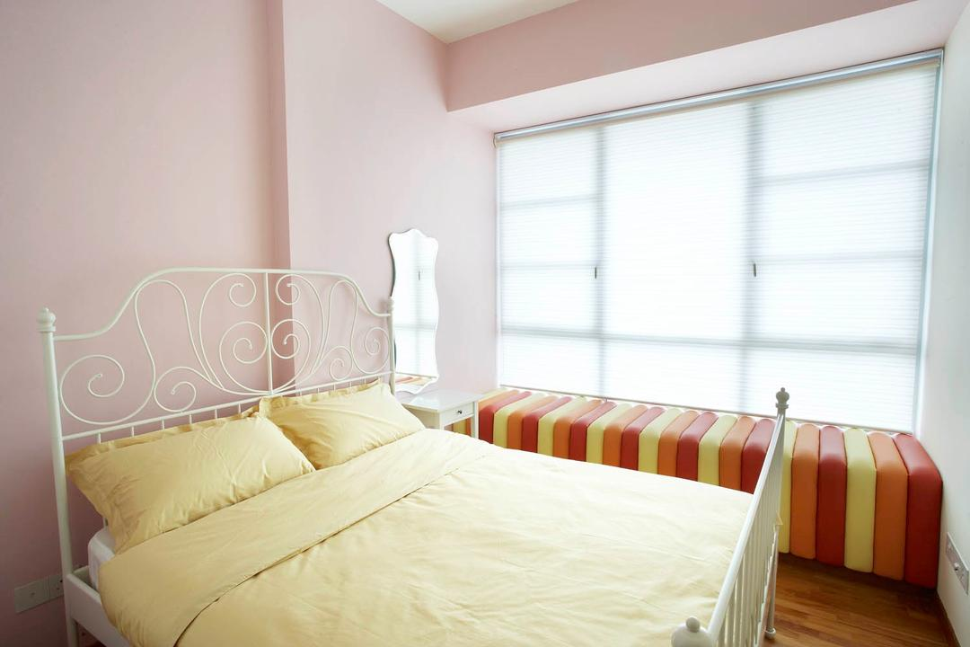 Starville, Free Space Intent, Eclectic, Bedroom, Condo, Pink Wall, Bay Window, Poster Bed, Bed, Furniture, Indoors, Interior Design, Room, Plate Rack