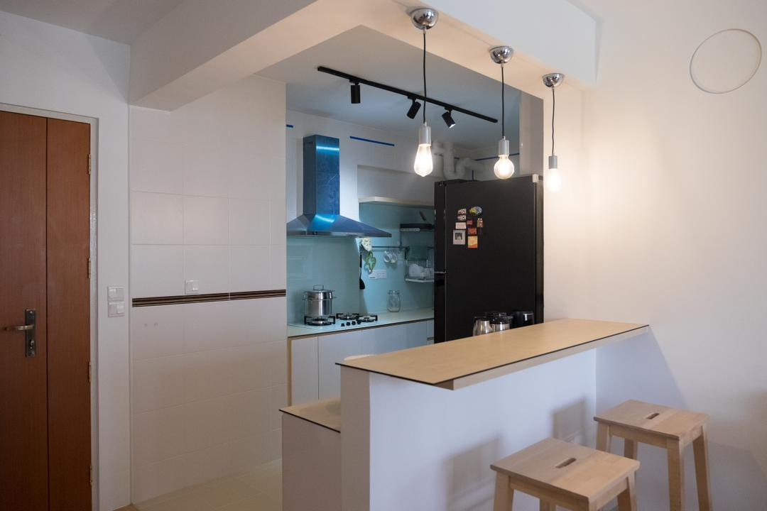 Punggol Edgefield (Block 617A), Nitty Gritty Interior, Minimalistic, Dining Room, HDB, Wooden Stool, Polar White Wall, , Hanging Light, Pendant Lights, Track Lights, Wooden Countertop