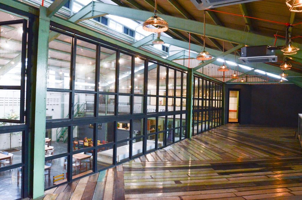 WhupWhup, Subang Jaya, Commercial, Interior Designer, DesignLah, Modern, Industrial