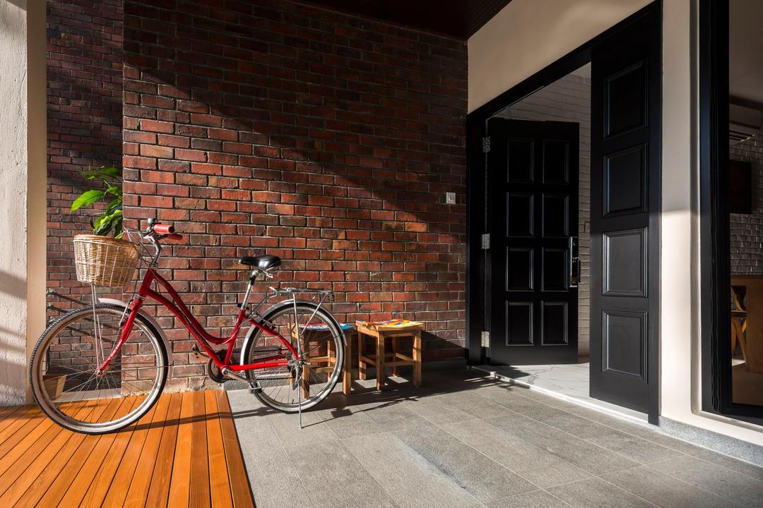 Eastern Lagoon, akiHAUS, Eclectic, Condo, Porch, Foyer, Entrance, Bicycle, Brick Wall, Brick, Shopping Cart