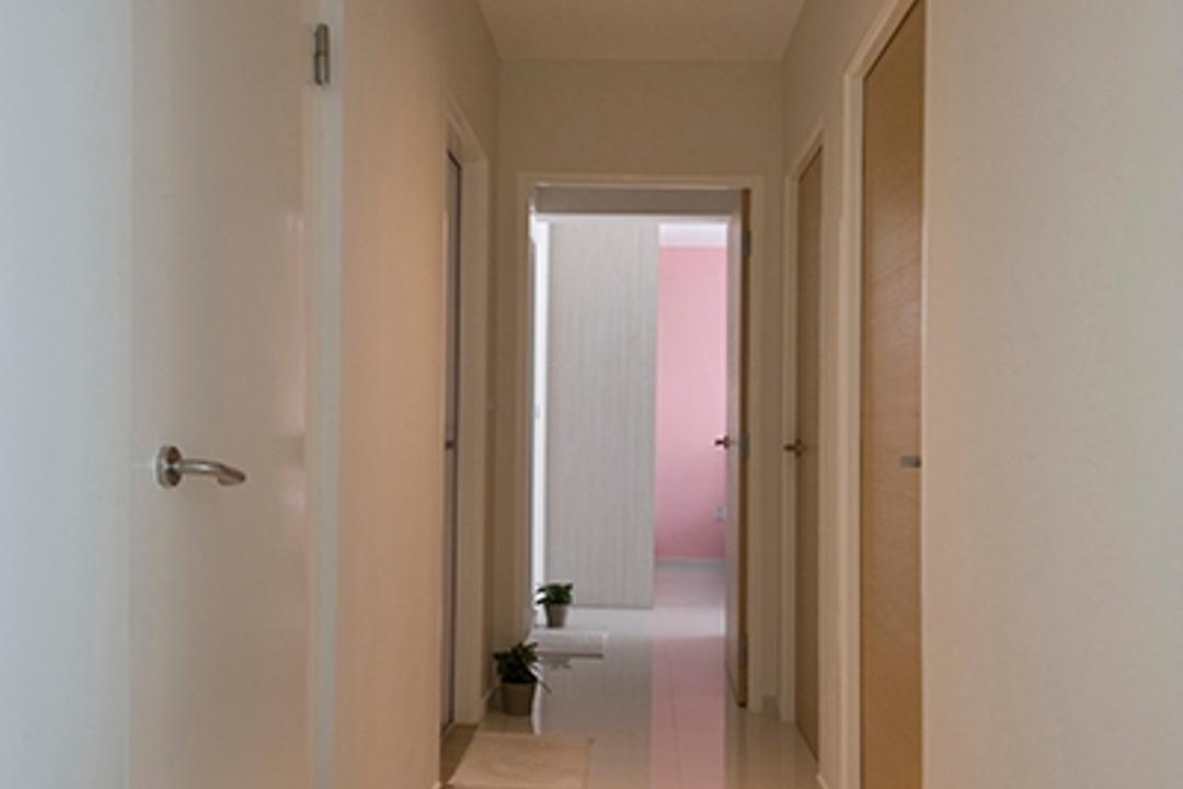 Pasir Ris, DreamCreations Interior, Minimalistic, HDB, White Walls, Track Lights, Black Track Light, Trackie, White Door, Indoors, Interior Design