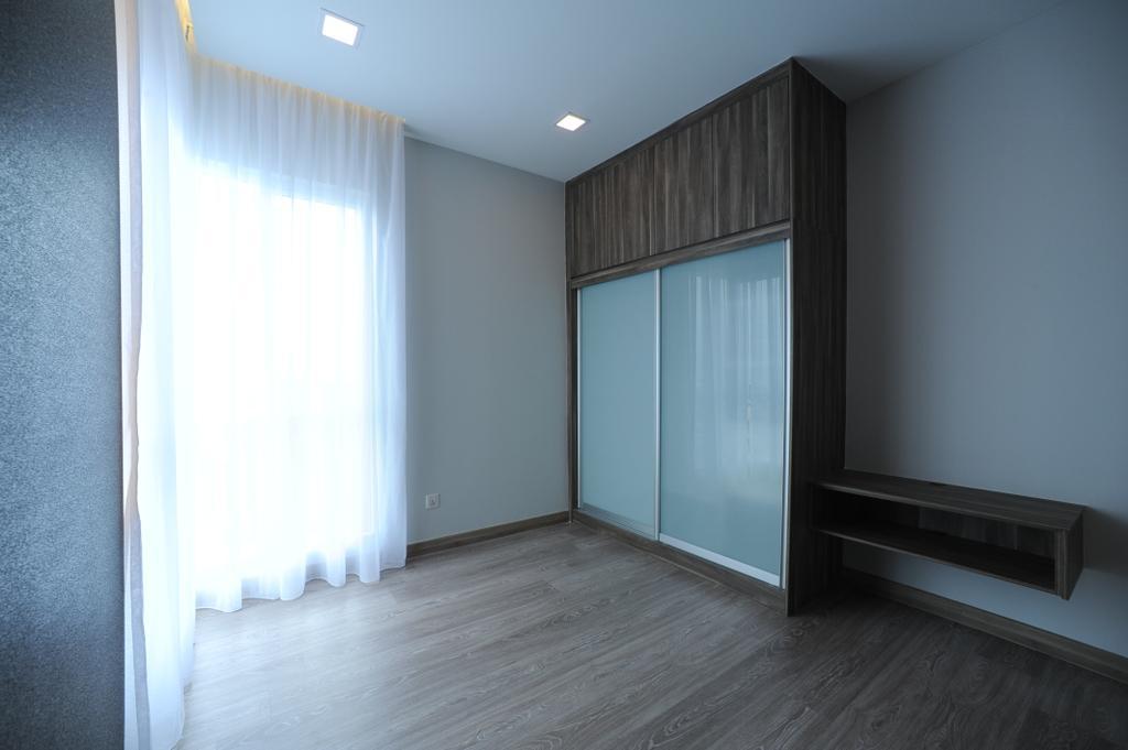 Modern, Condo, Bedroom, Scenaria Residence, Interior Designer, IQI Concept Interior Design & Renovation, Flooring
