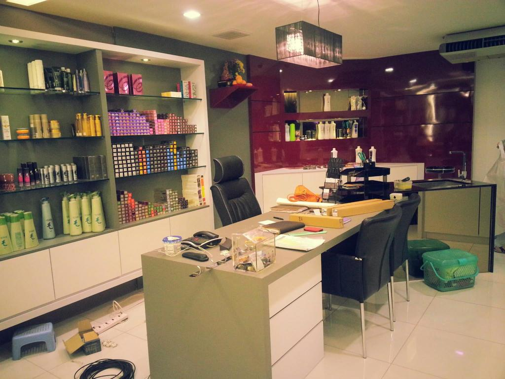 Yap Salon & acedemy, Commercial, Interior Designer, Grazioso Design, Modern, Couch, Furniture, Basement, Indoors, Room
