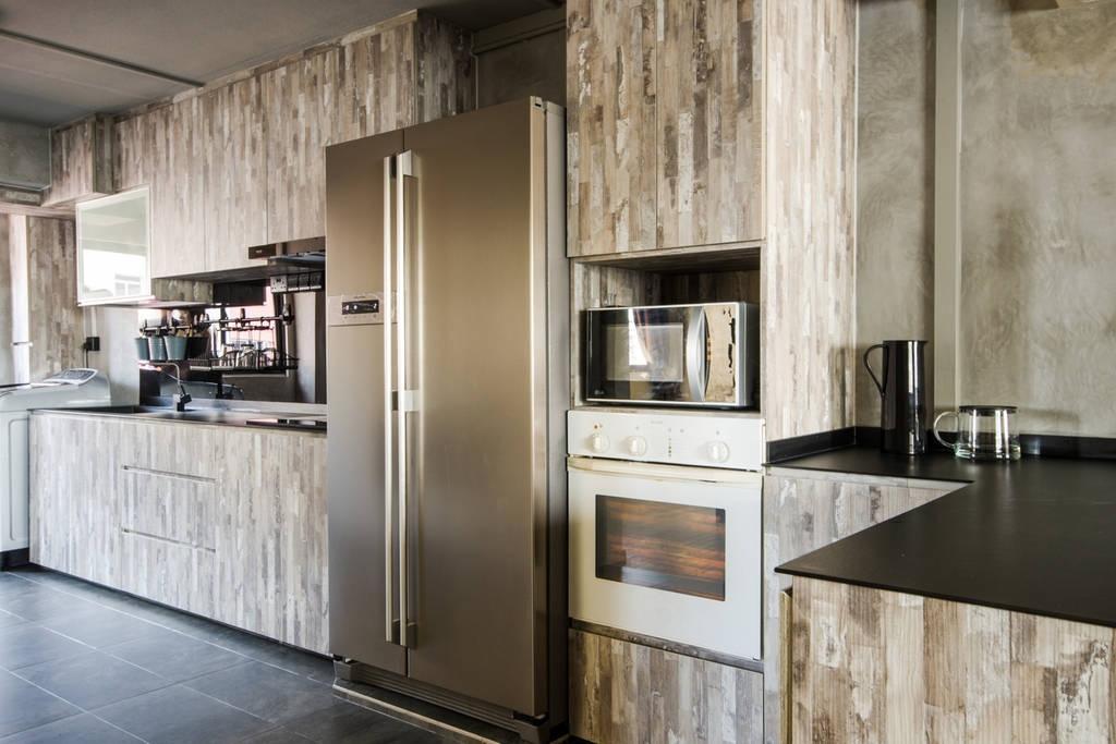 Modern, HDB, Kitchen, Woodlands (Block 850), Interior Designer, MET Interior, Scandinavian, Ceramic Tiles, Refrigerator, Kitchen Wooden Cabinet, Classy, Oven, Indoors, Interior Design, Room