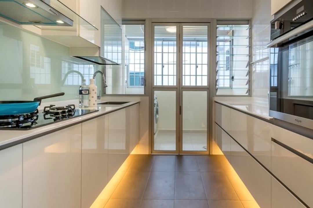 Woodlands Crescent, One Design Werkz, Modern, Kitchen, HDB, Concealed Lighting, Neutral Palette, White Cabinet, White Drawers, Patio Doors, Kitchen Backsplash