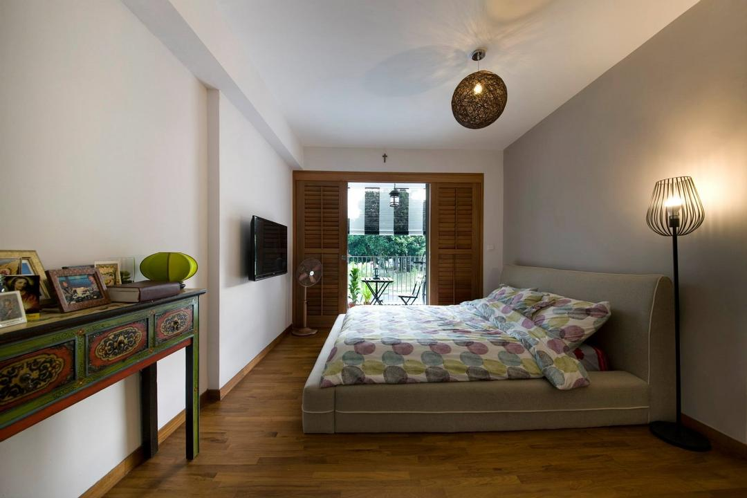 Upper Serangoon Crescent (Block 475C), Hue Concept Interior Design, Eclectic, Bedroom, HDB, Floor Lamp, Pendant Lighting, Wooden Flooring, Wood Theme Drawer, Indoors, Interior Design, Room