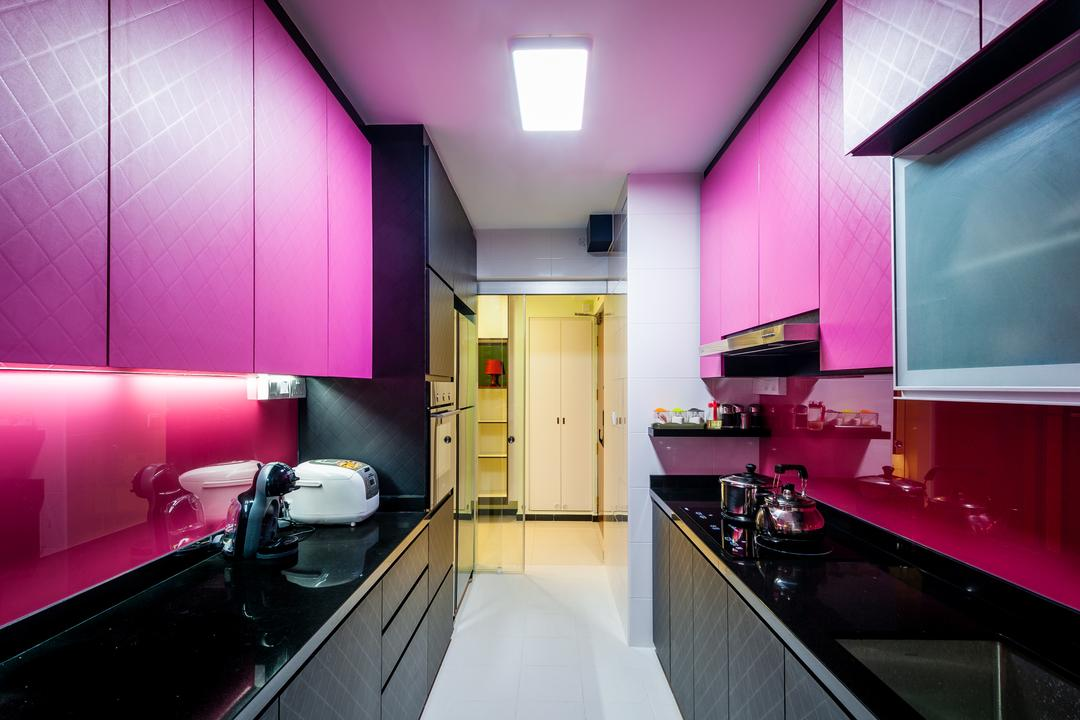 Fernvale Link (Block 414A), Le Interi, Modern, Kitchen, HDB, Ceiling Lights, White Flooring, Purple Pink Cabinets, Cabinets, Purple, Purple Backsplash, Black Kitchen Top, Black Cabinets, Lighting, Indoors, Room