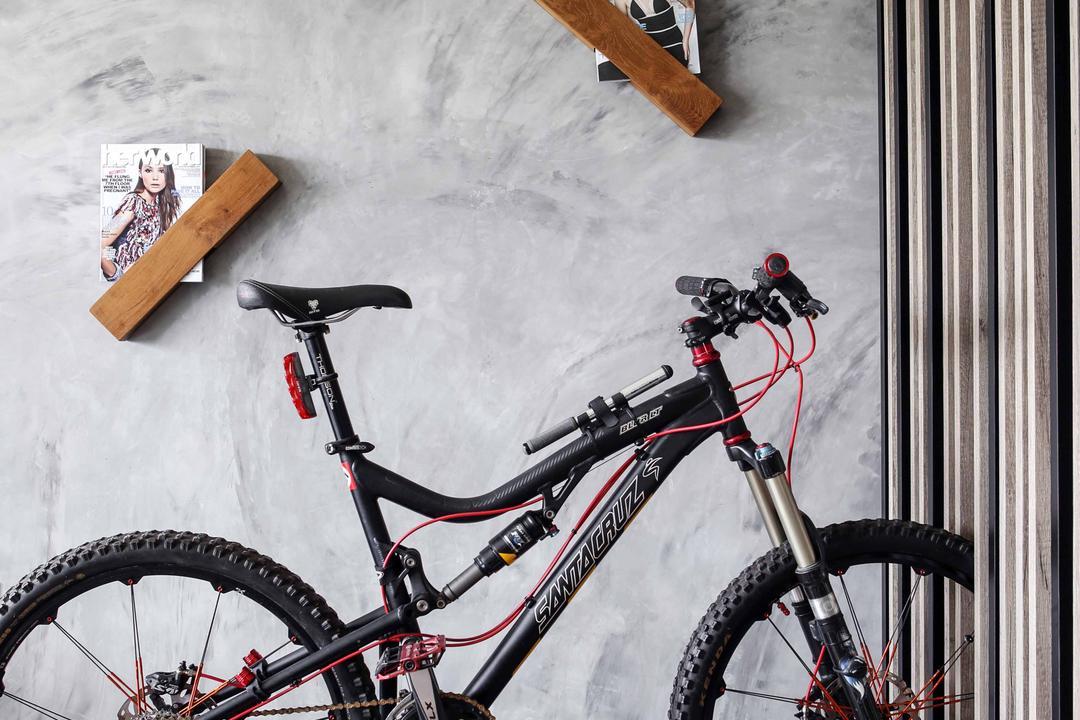 Yishun Street 31 (Block 334C), Versaform, Industrial, Living Room, HDB, Rug, Brown Rug, Bicycle, Grey Wall, Gray Wall, Wooden Partition, Partition, Wall Holder, Bike, Transportation, Vehicle, Mountain Bike