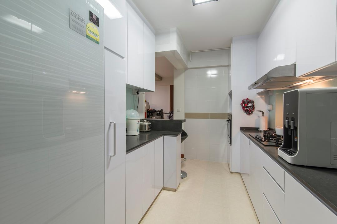 Yishun Avenue 1, Ace Space Design, Traditional, Kitchen, HDB, Kitchen Cabinet, Black Counter Top, Kitchen Counter Top, Recessed Lighting, Kitchen Tiles, White Laminate
