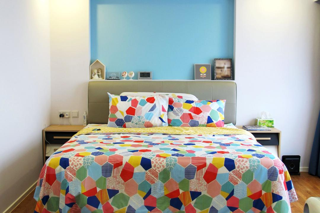 Punggol Waterway, Colourbox Interior, Minimalistic, Bedroom, HDB, False Ceiling, Recessed Light, Wooden Flooring, Brown Flooring, Colorful Bedsheet, Colourful Bed, Laminate Wood, Wooden Laminate, Laminate Flooring, White Walls, Feature Wall, Blue Wall, Cushioned Headboard