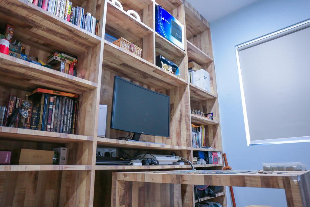 Minimalistic, HDB, Study, Pasir Ris Grove, The Palette (Block 105), Interior Designer, Forefront Interior, Bookcase, Furniture, Shelf
