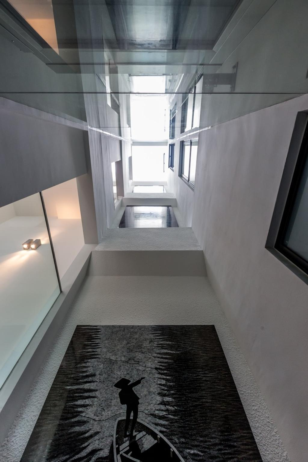 Contemporary, Landed, Minaret Walk, Architect, EZRA Architects, Wall Portrait, High Ceiling, White Wall, Ceiling Lights, Corridor