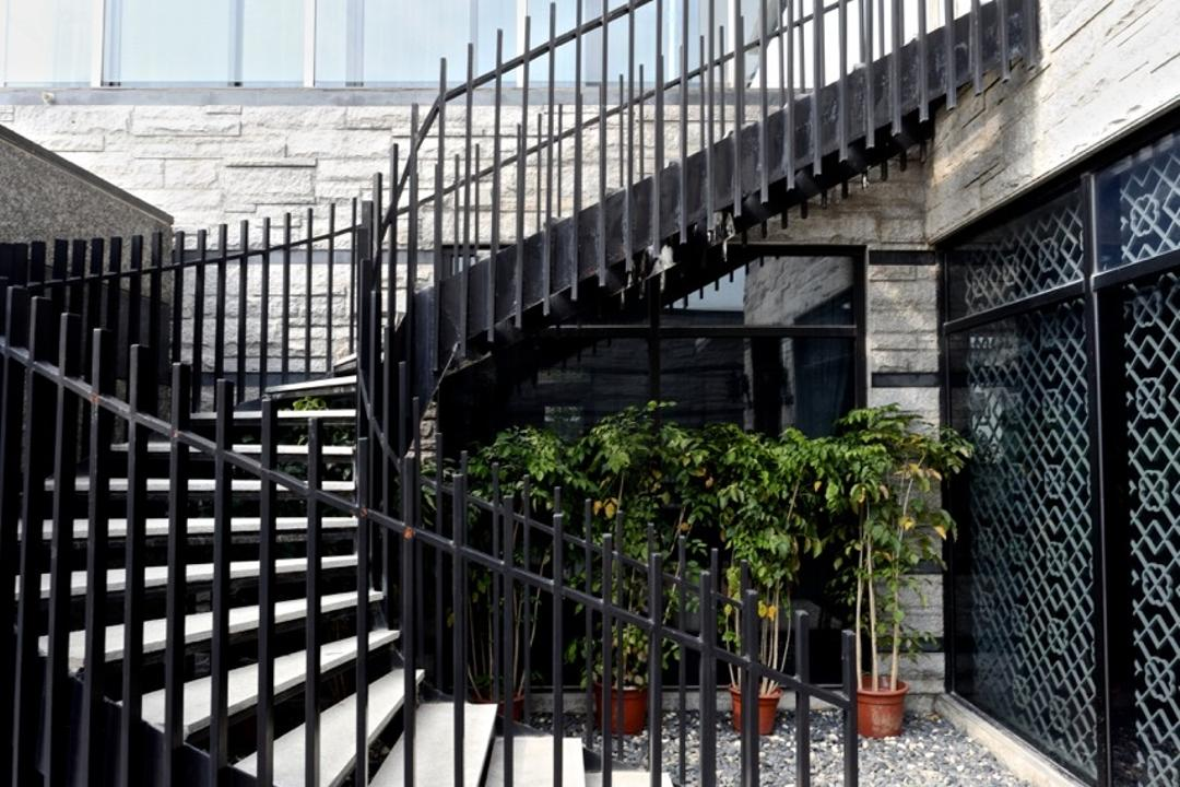 Nanhu Golf Villa, EZRA Architects, Traditional, Landed, Spiral Stairs, Spiral Staircase, Potted Plant, Pebbles, Brick Wall, Flora, Jar, Plant, Pottery, Vase, Railing