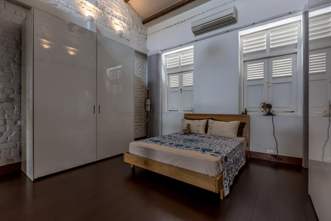 Onan Road, EZRA Architects, Contemporary, Bedroom, Landed, Wooden Bed, Wardrobe, White Wardrobe, Closet, Wooden Flooring, Brick Wall, White Wall, Bed, Furniture, Indoors, Interior Design, Room