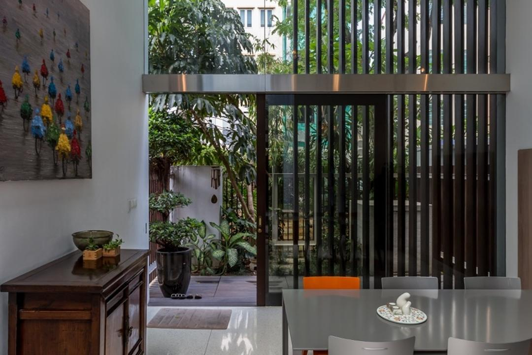Onan Road, EZRA Architects, Contemporary, Dining Room, Landed, Hanging Light, Pendant Light, Wallart, Wall Art, Painting, Wooden Display Cabinet, Dining Table, Full Length Glass Window, Flora, Jar, Plant, Potted Plant, Pottery, Vase, Bonsai, Tree