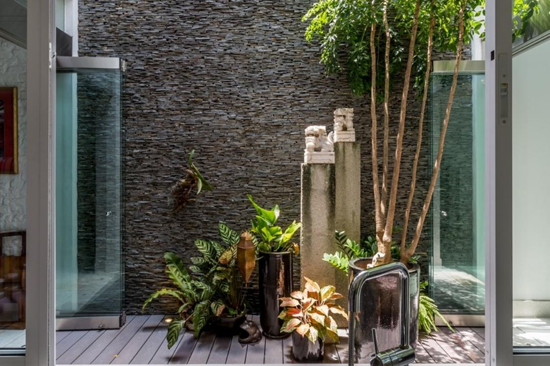 Onan Road, EZRA Architects, Contemporary, Kitchen, Landed, Glass Window, Kitchen Sink, Wooden Flooring, Exterior, Garden, Kitchen Tabletop, Countertop, Flora, Jar, Plant, Potted Plant, Pottery, Vase, Animal, Insect, Invertebrate, Mantis