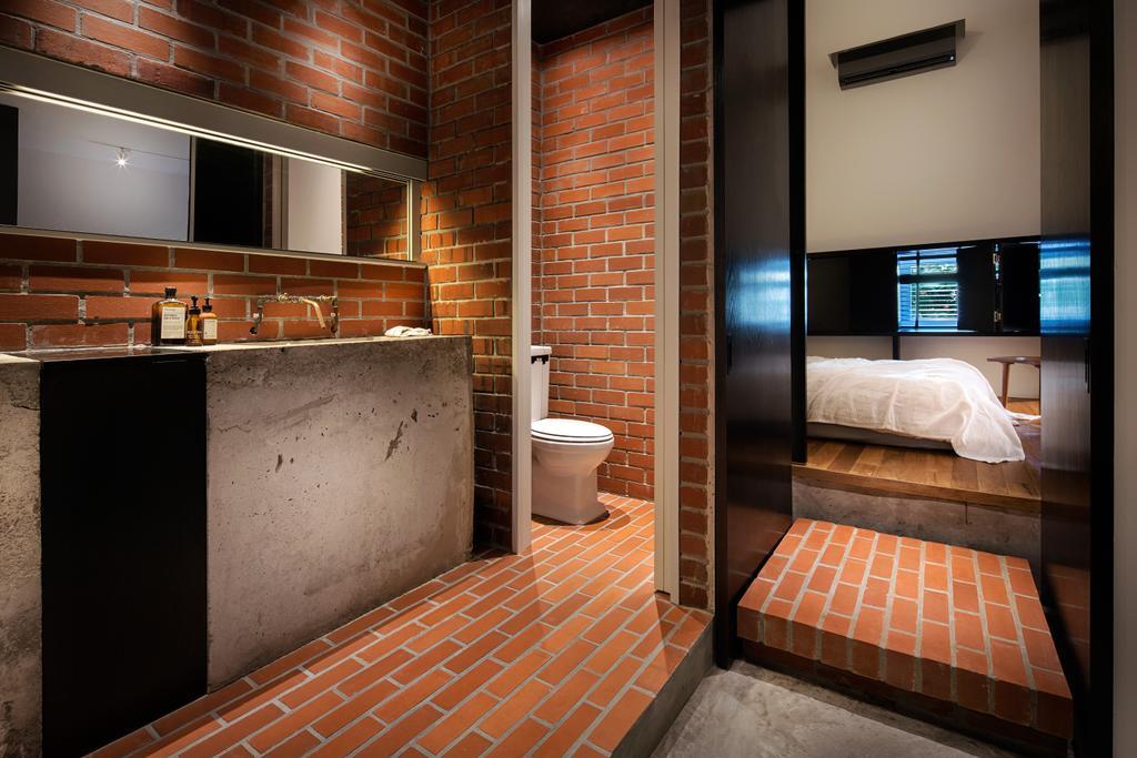Industrial, Condo, Bathroom, The Overlap Apartment, Architect, UPSTAIRS_, Toilet, Bed, Furniture, Brick