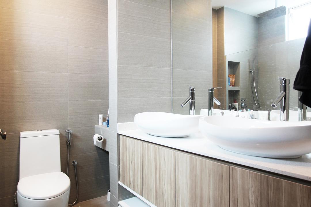 Sin Ming Plaza, Dreammetal, Contemporary, Bathroom, Condo, Recessed Lights, Light Wood Colour, Laminated Cabinet, Basins, White Basin, Mirror, Toilet, Indoors, Interior Design, Room