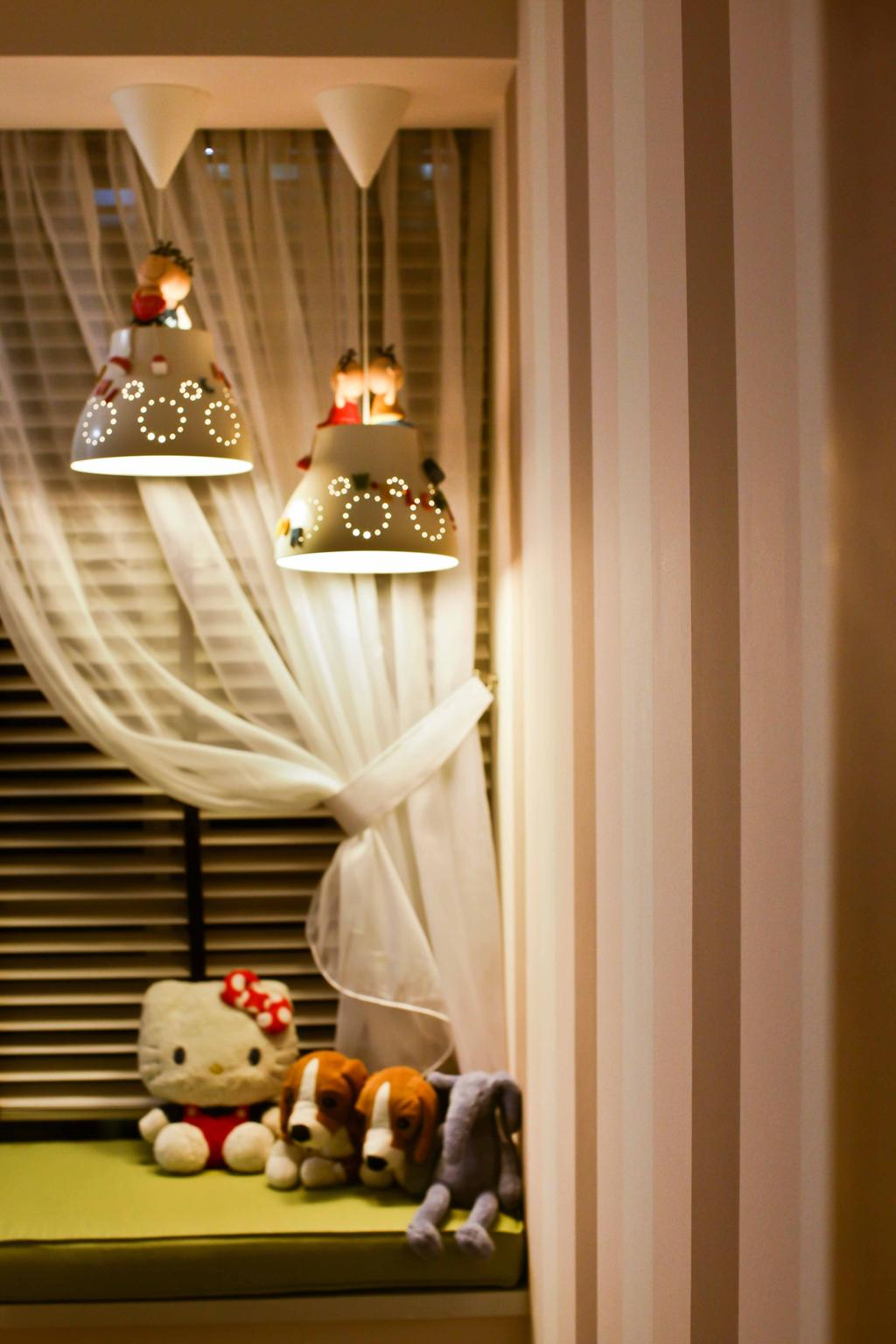 Modern, Condo, Bedroom, Caspian (Block 54), Interior Designer, The Interior Lab, Baywindow, Bay Window, Hanging Lights, Pendant Lights, Decorative Lights, Wallpaper, Striped Wallpaper, Lamp, Lampshade