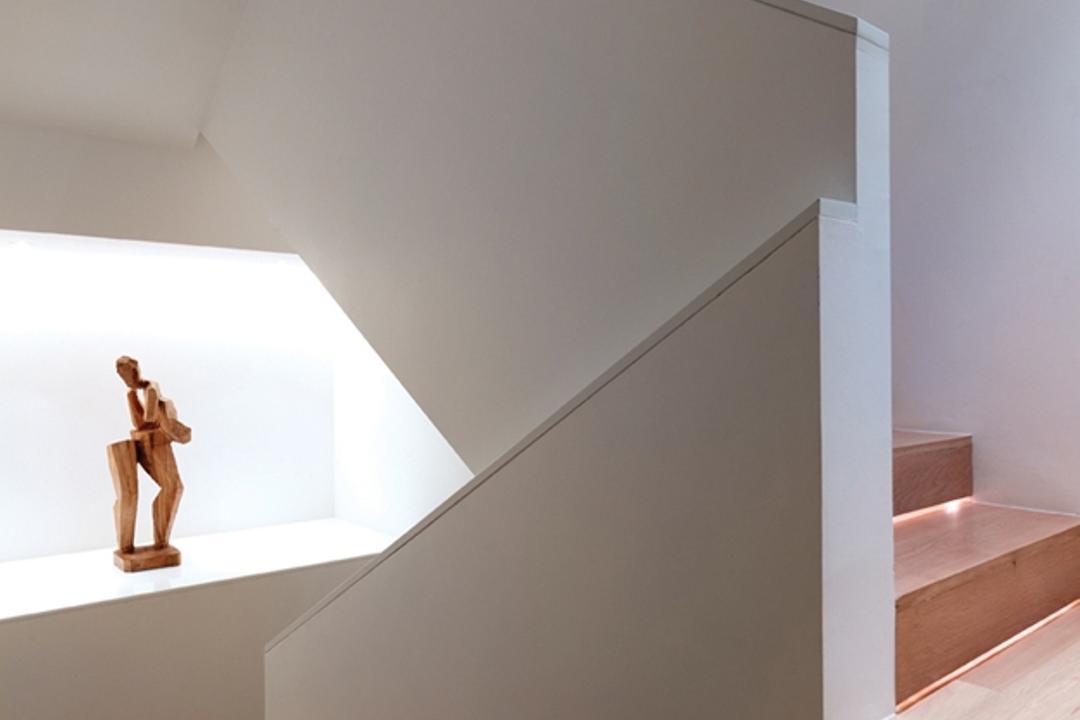 Ontario, Ministry of Design, Modern, Landed, Wooden Flooring, Laminated Flooring, Brown Flooring, Stairway, Wooden Stairway, White Walls, Banister, Handrail