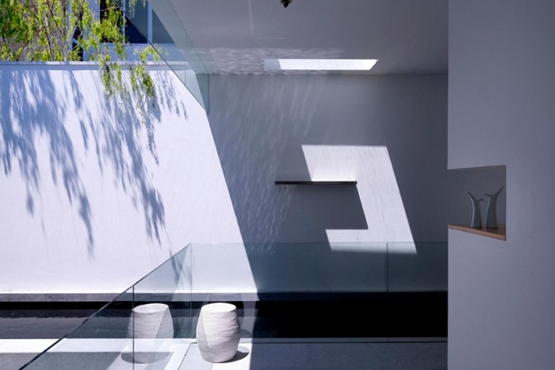 Ontario, Ministry of Design, Modern, Landed, Small Pond, White Walls, Glass Barricade, White Ceiling