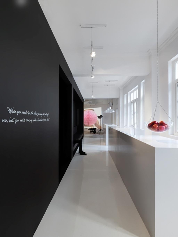 Leo Burnett, Commercial, Architect, Ministry of Design, Eclectic, White Flooring, White Counter, Hanging Fruit Basket, Black Wall, Wallart, White Wall, White Ceiling, Corridor