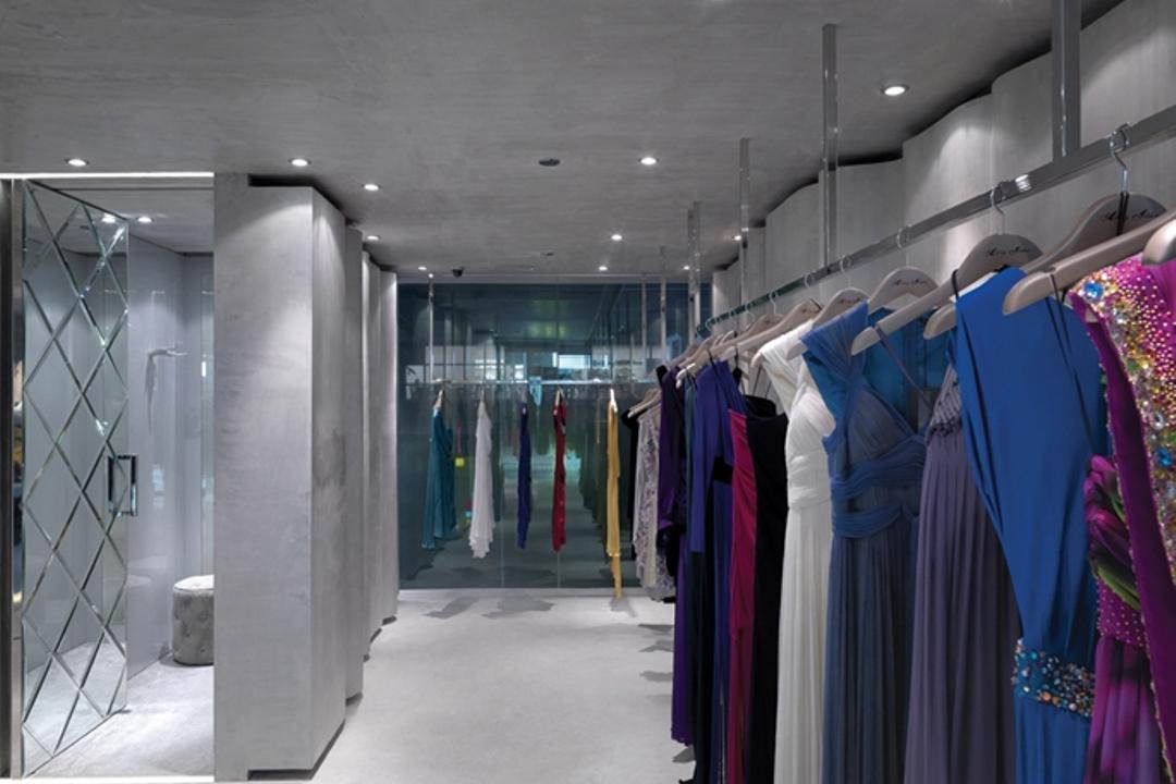Ashley Isham Mandarin, Ministry of Design, Contemporary, Commercial, Changing Rooms, Concrete Floor, Recessed Lighting, Recessed Lights, Clothing Rack, Apparel, Clothing, Door, Sliding Door