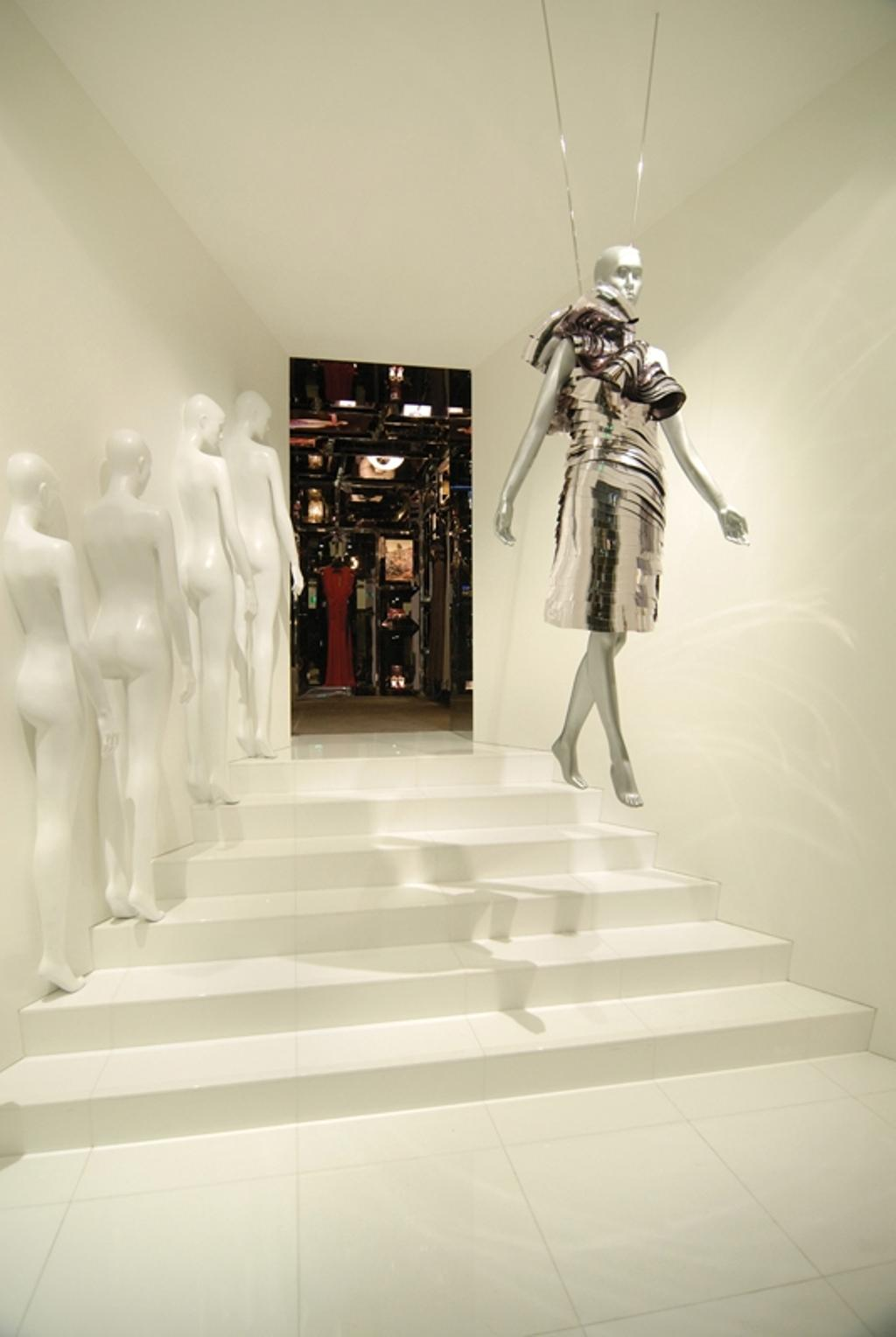 Ashley Isham Fullerton, Commercial, Architect, Ministry of Design, Modern, Figurine, Mannequins, White Steps, White Flooring, White Walls, Human, People, Person, Mannequin, Art, Sculpture