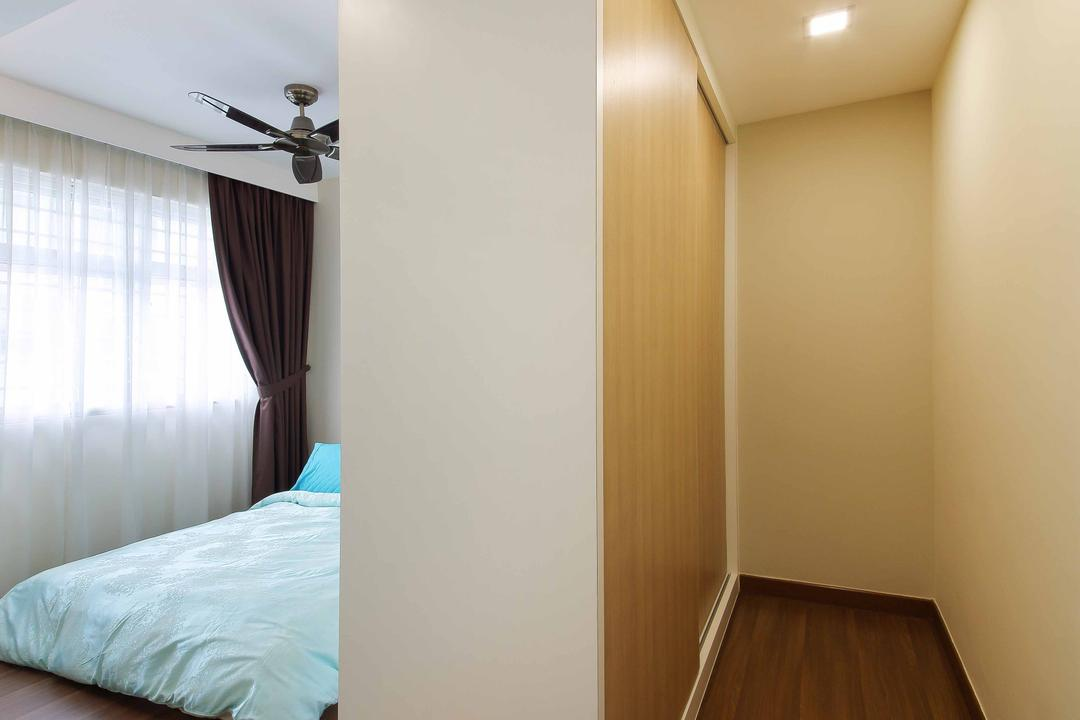 Woodlands Crescent, Ascenders Design Studio, Modern, Bedroom, HDB, Recessed Lighting, Wooden Flooring, Brown Flooring, Concealed Lighting, Concealedl Lights, Laminated Floor, Steps, Double Layer Curtains, Wooden Wardrobe Doors, Indoors, Interior Design, Room