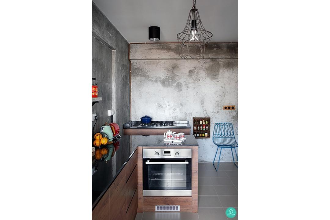Green-and-Lush-Industrial-Kitchen-Counter
