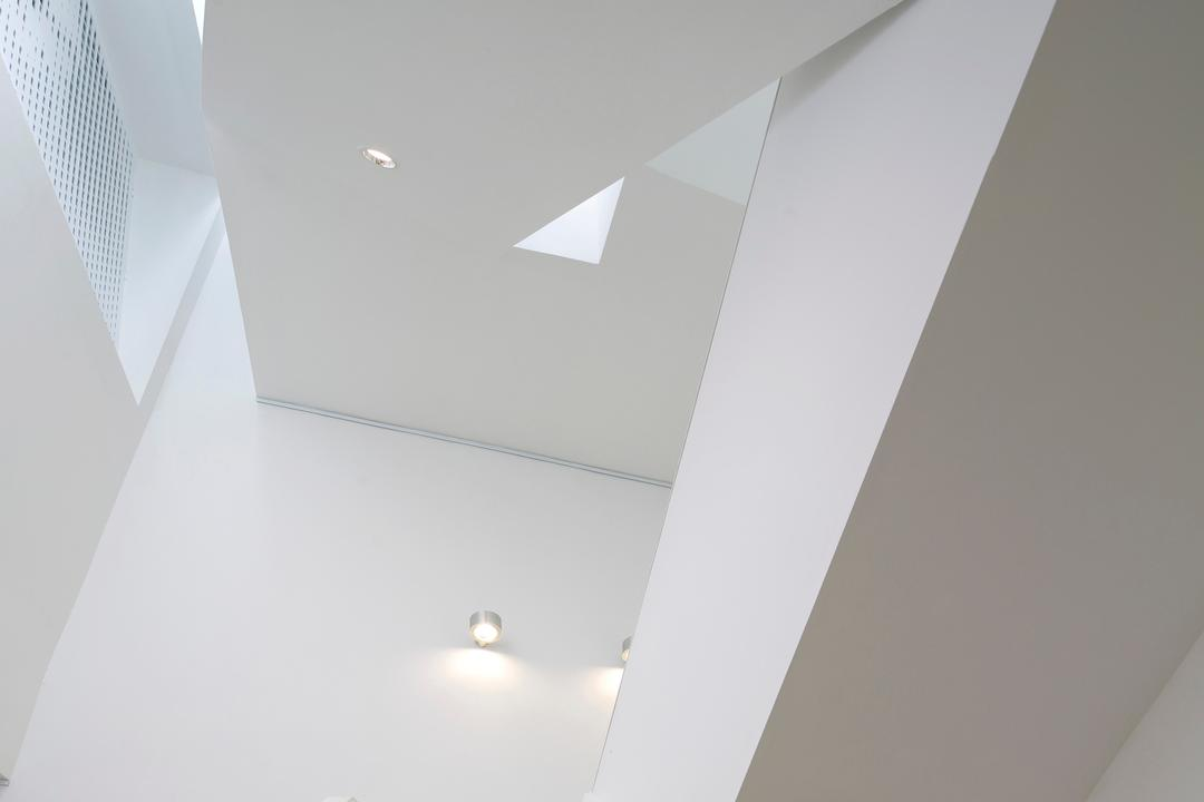 Gallery House, Lekker Architects, Modern, Commercial, Recessed Lighting, Recessed Lights, White Stairstay, White Steps, Wall Lamp