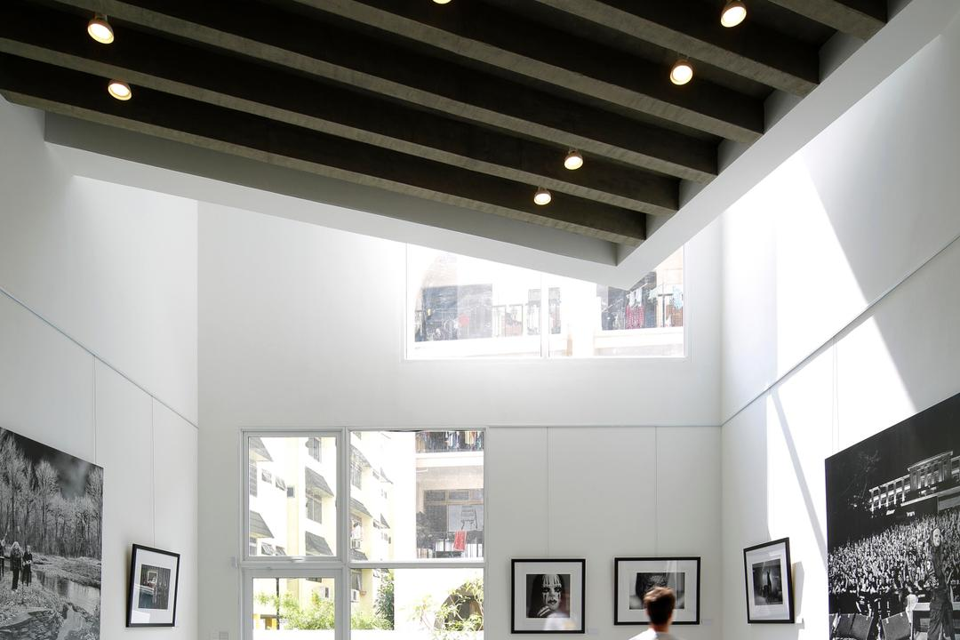 Gallery House, Lekker Architects, Modern, Commercial, High Ceiling, Ceiling Lights, Wall Portrait, White Ceiling, Door, Sliding Door, Audience, Crowd, Human, Person