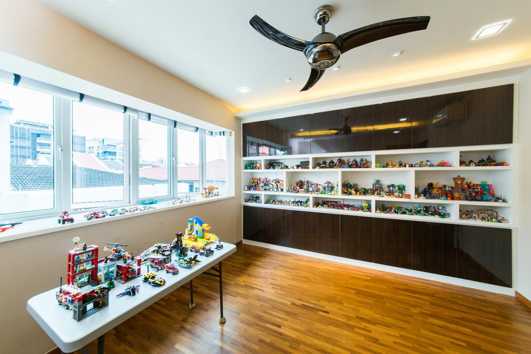 25A Parry Avenue, Corazon Interior, Contemporary, Landed, Wooden Flooring, Toy Displays, White Table, Timber Flooring, Black Ceiling Fan, Ceiling Fan, Recessed Lighting, Recessed Lights, Concealed Lighting, Concealed Lights, Monochrome Shelves, Open Shelves, Indoors, Interior Design